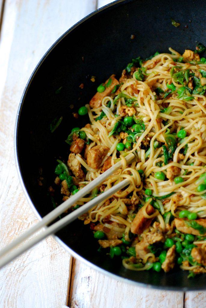 wok-varkensreepjes-roerei-chinese-kool-erwtjes