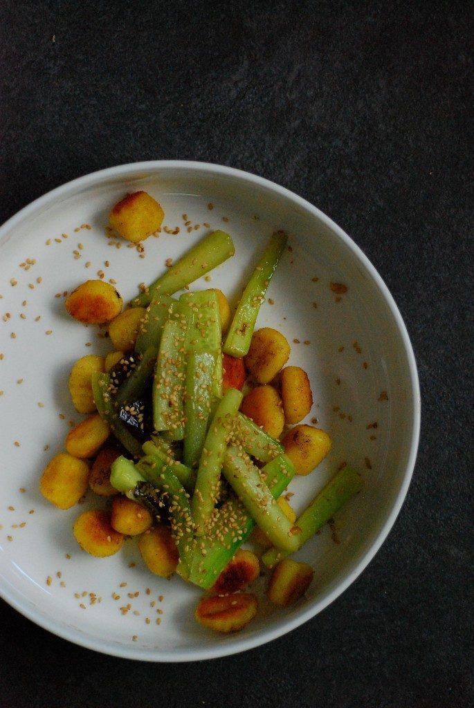 gebakken-gnocchi-en-komkommer